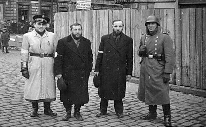 devushka-soset-chlen-i-trahaetsya