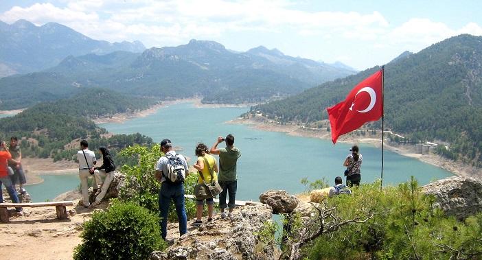 Израильские туристы в горах Анталии
