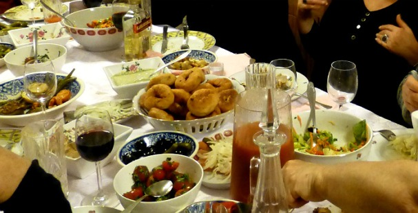 hanuca-table